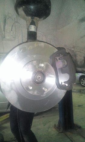 Новый тормозной диск на машине