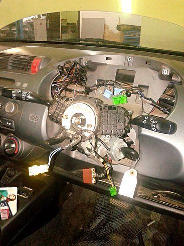 Разобранная рулевая колонка Honda Fit GD1