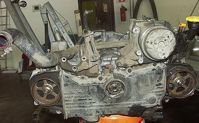 Собранный двигатель Subaru Forester без навесного оборудования