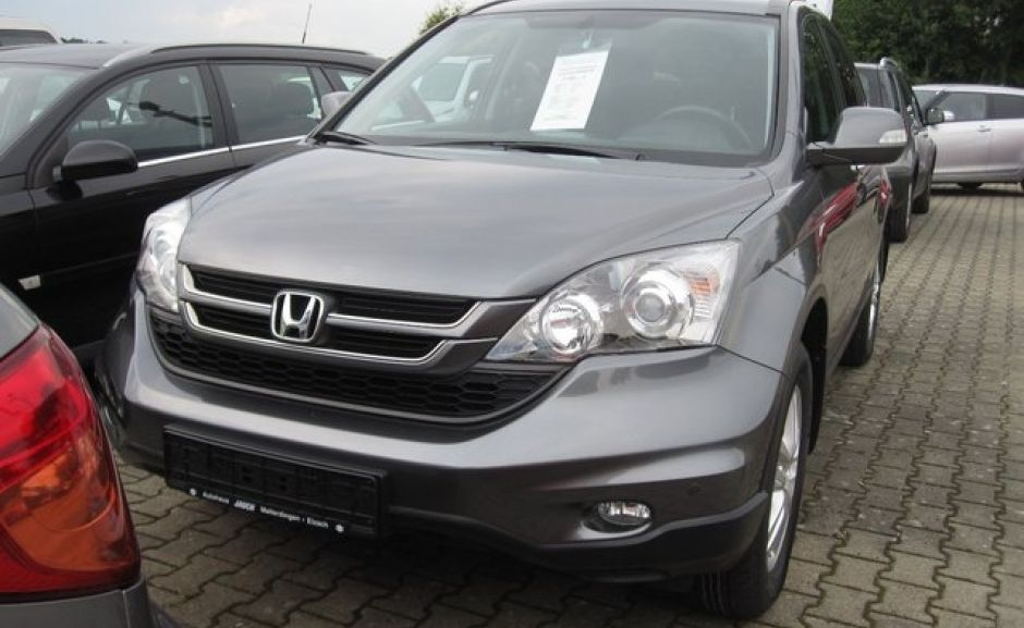 Honda CR-V 2011, вид спереди