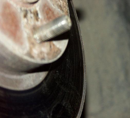 Изношенный тормозной диск Хонда